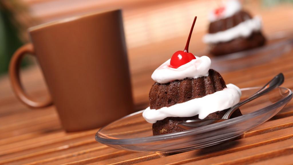 Еда, сладкое, десерт, пирожное, крем, вишня, шоколад, 1920x1080